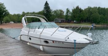 28' Maxum 2700 SCR 2001 starboard one
