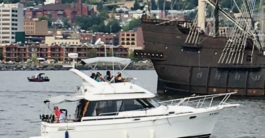 Bayliner 3288 Motor Yacht 1990 Starboard One