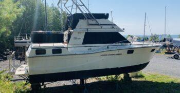Carver 32 Aft Cabin 1983 Starboard One